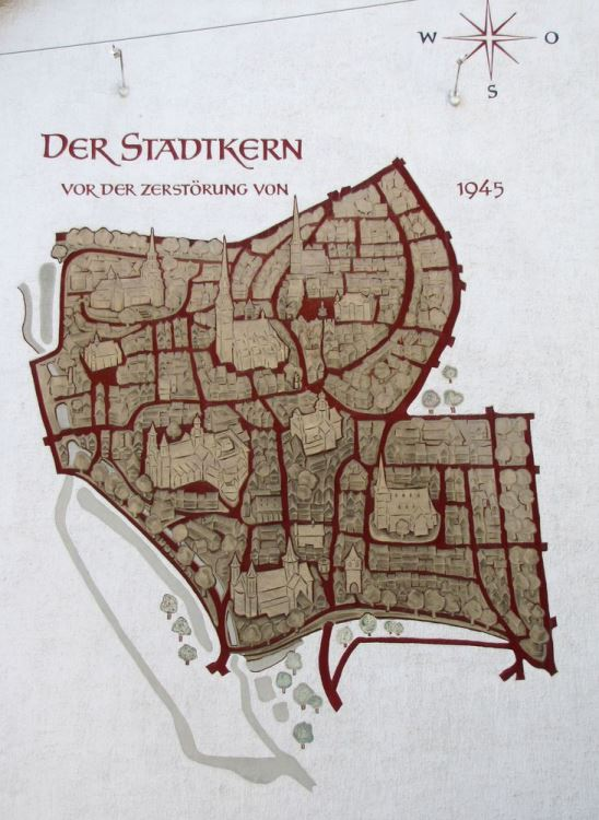 The map of Hildesheim before the destruction in 1945 in sgraffito-technique; photo: Hornemann Institute